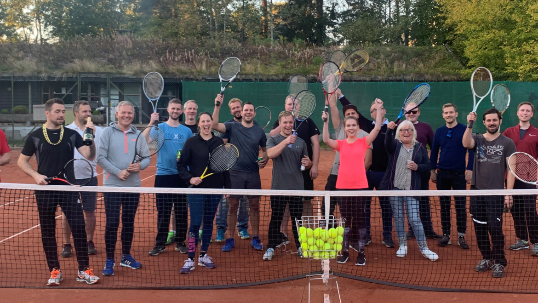 Bedriftsarrangement for Autoria med tennis på vårt anlegg